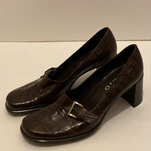 Women's Franco Sarto shoes in rich brown size 7.5M